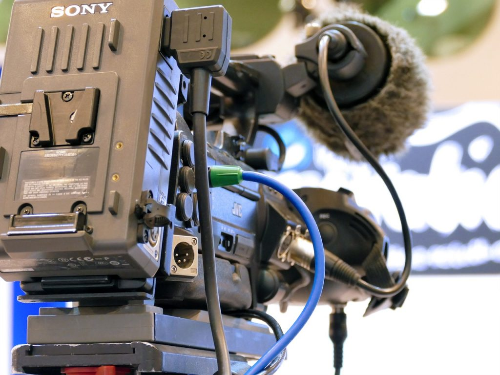 camera, tv, watch tv